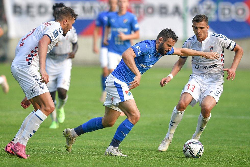 Přátelské utkání Górnik Zabrze - FC Baník Ostrava, 17. července 2021 v Zabrze (PL).