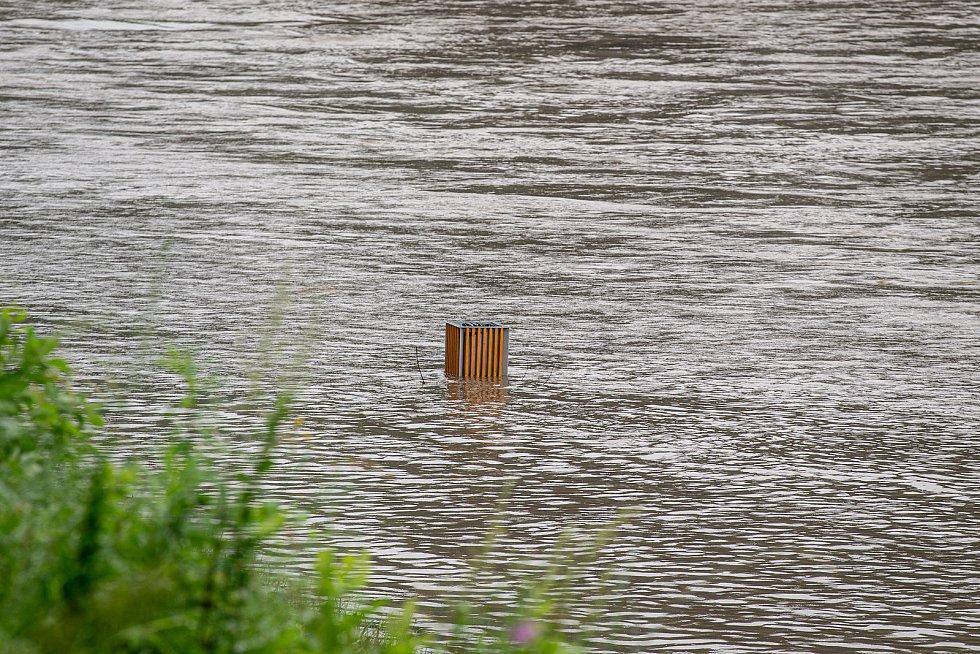Řeka Ostravice která leží v centru Ostravy, 19. srpna 2020.