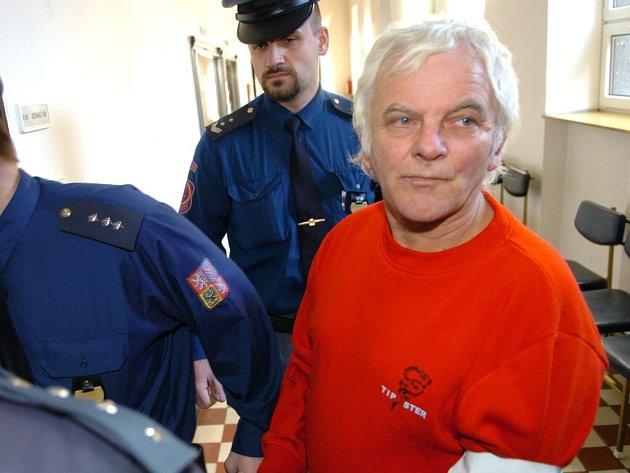 Odvolací soud potvrdil jedenáct a půl roku vězení pro Oldřicha Martínka, který ubil svou družky.