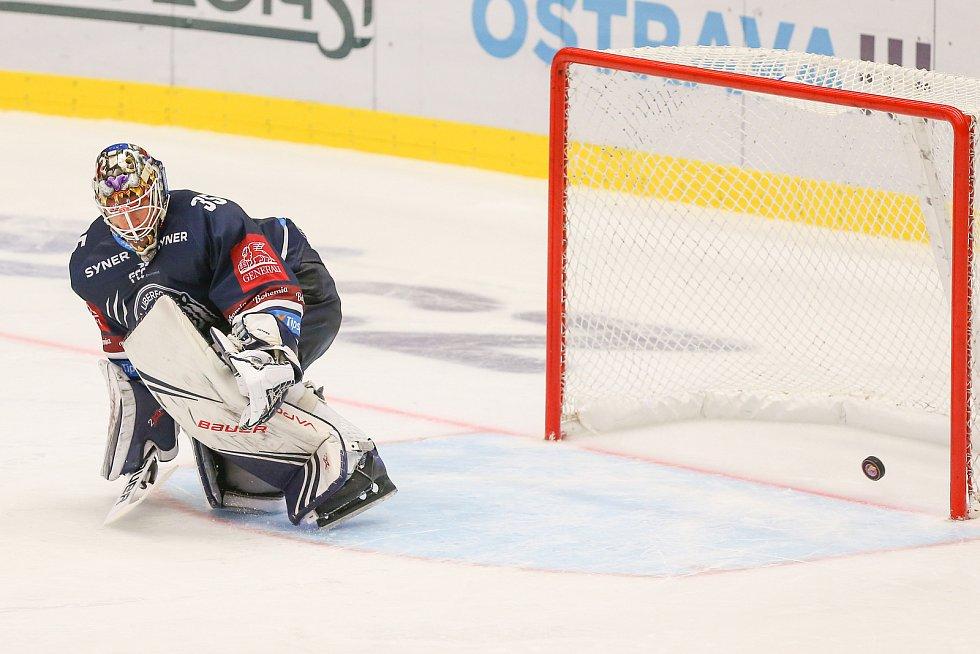 Utkání 3. kola hokejové extraligy: HC Vítkovice Ridera - Bílí Tygři Liberec, 20. září 2019 v Ostravě. Zleva brankář Liberce Justin Peters.