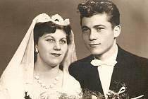 Svatební fotografie manželů Ellerových z 12. října 1957.