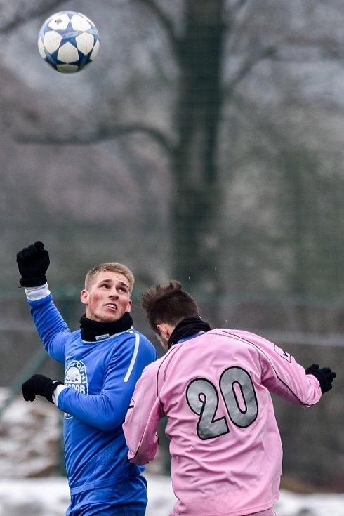 Bohumín (v modrém) na turnaji ve Vratimově porazil divizní Havířov 3:2.