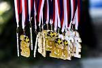 Muži: Zápas o 3. místo Polsko - Rusko. FIVB Světové série v plážovém volejbalu J&T Banka Ostrava Beach Open, 2. června 2019 v Ostravě. Na snímku medaile.