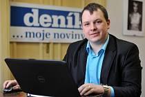 Adam Rykala v ostravské redakci Deníku.