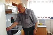 Karel Slavík, jeden obyvatel Satelitního městečka pro seniory v Ostravě-Porubě