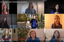 Snímek z videa studentů Wichterlova gymnázia.