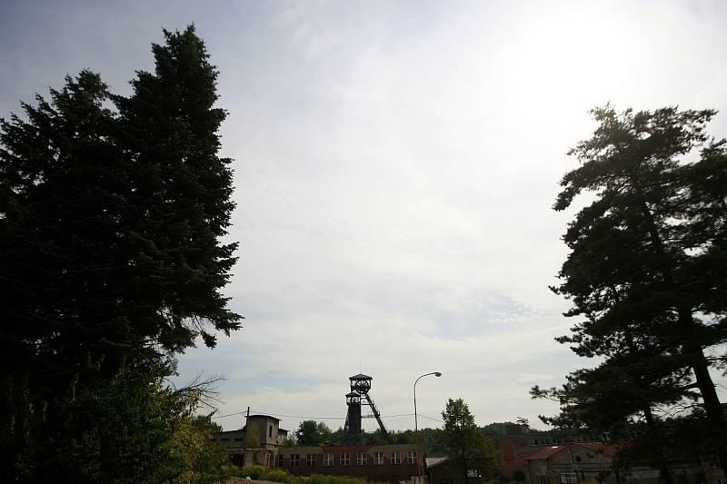 Důl Petr Bezruč, bývalý Důl Terezie je nečinný černouhelný důl ve Slezské Ostravě. Těžba tady byla ukončena v roce 1992.