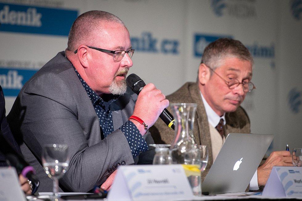 Na snímku Martin Gebauer (vlevo) a Ivo Vondrák na akci Deníku Setkání s hejtmanem Moravskoslezského kraje, 3. října 2019 v Multifunkční aule Gong v Dolních Vítkovicích.