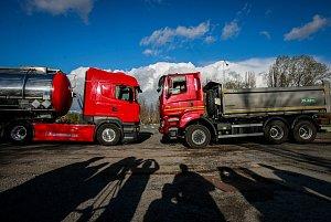 Simulace havárie náklaďáku s nebezpečným odpadem