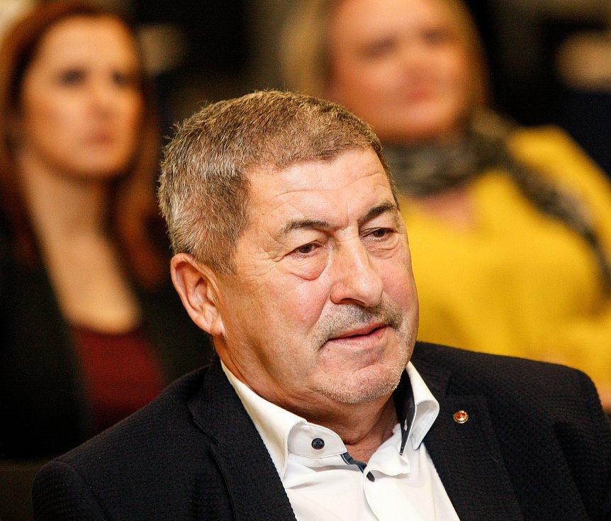 Setkání s hejtmanem Ivo Vondrákem v Ostravě, v multifunkční hale Gong. Na snímku Václav Daněk
