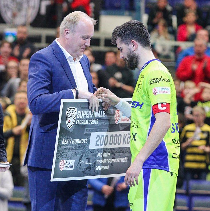 Superfinále play off Tipsport superligy - Technology florbal Mladá Boleslav - 1. SC TEMPISH Vítkovice, 14. dubna 2019 v Ostravě. Na snímku (vpravo) Sladký Tomáš.