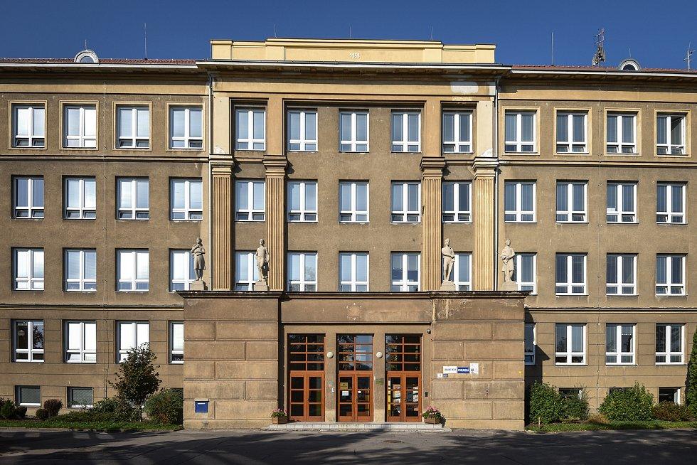 Základní škola Porubská 12 v Ostravě.