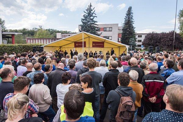 Druhý den prezidentské návštěvy Moravskoslezského kraje Miloš Zeman navštívil města Český Těšín a Třinec.
