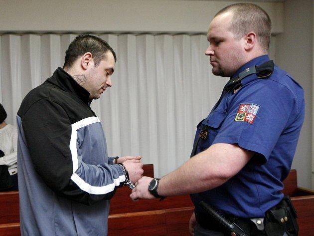 S nejpřísnějším trestem odešel Michal Tarabčák, který dvojici narkomanů přesvědčil, aby přepadli klenotnictví. Soud mu vyměřil šest let vězení. Před přísnějším trestem Tarabčáka zachránilo přiznání v průběhu hlavního líčení.