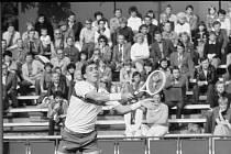 Legendární Ivan Lendl, který slaví zítra, v sobotu 7. března, 60. narozeniny, začínal s tenisem v ostravských Komenského sadech.