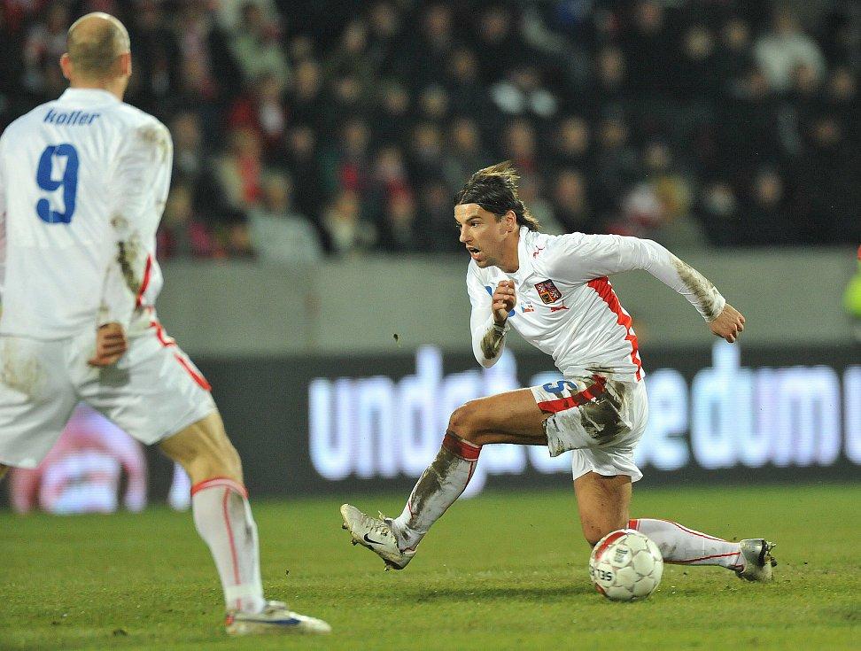 Milan Baroš během utkání s Dánskem.