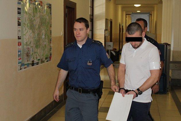 Cizinec u soudu prohlásil, že s přepadením bohumínského zlatnictví nemá nic společného.