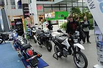 Unikátní motoristická výstava začala ve Foru Nová Karolina v Ostravě a potrvá až do konce dubna.