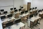 Počítačová učebna ve frýdlantském gymnáziu.