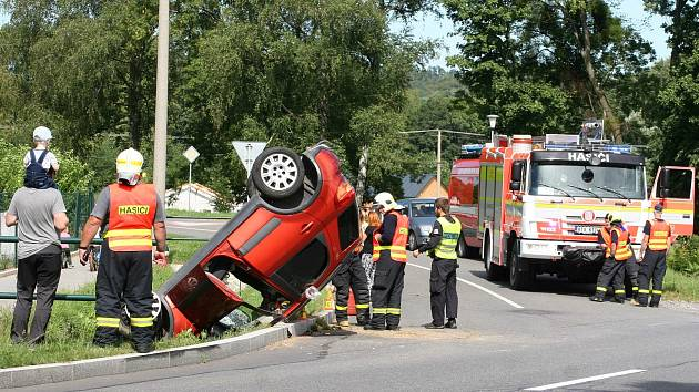 Nehoda před Raškovicemi v Beskydech, středa 26. srpna 2020.