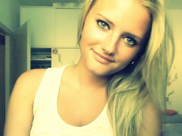 29) Eliška Bartesková, 18 let, studentka, Opava
