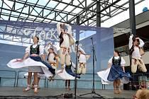 Folklor bez hranic 2021 - soubory v ulicích Ostravy.