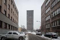 Věžák v Ostrčilově ulici v centru Ostravy čeká rekonstrukce.