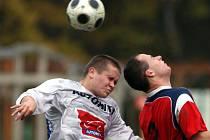 Dohrávaný zápas 11. kola I.B třídy, skupiny B, mezi Ostravou-Jihem a Hrabovou skončil divácky nepopulárním, ale naprosto zaslouženým bezbrankovým smírem.