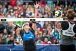 Turnaj Světového okruhu v plážovém volejbalu - semifinále, 24. června 2018 v Ostravě. Na snímku Brandie Wilkerson a  Barbora Hermonnová.
