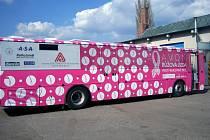 Růžový autobus je neodmyslitenou součástí kampaní boje proti rakovině prsu