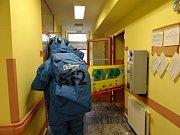 Transport bioboxu s mužem s podezřením na MERS.
