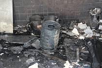 V bytě, kde muž zhruba rok vyráběl pervitin, vypukl v minulých dnech požár.