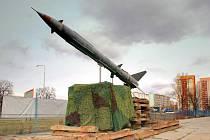 Raketa typu Volchov, instalovaná v areálu firmy Klásek Trading v Ostravě-Zábřehu
