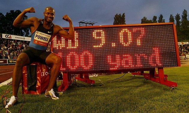 Výkon Asafy Powella ze Zlaté tretry Ostrava 2010, kdy dosáhl na netradiční trati 100yardů času 9,07sekundy, nepatří do skupiny světových rekordů, ale přitom to je na trati 91,44metrů nejrychlejší čas světové atletické historie.