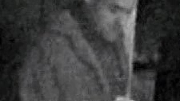 Zloděj zachycený kamerou u bankomatu