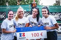 ÚSPĚŠNÉ basketbalistky 3x3. Zleva Michaela Drtilová, Adéla Morávková, Kateřina Káňová a Gabriela Busková.