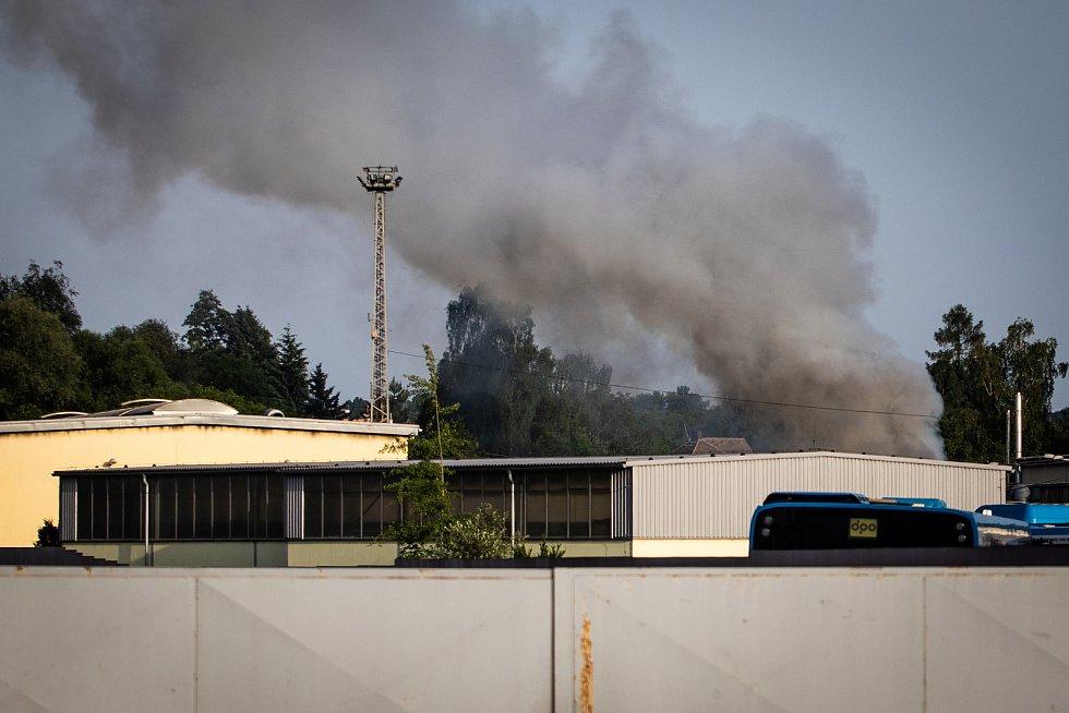 Požár v ostravském dopravním podniku na Hranečníku, 15. června 2019 v Ostravě.