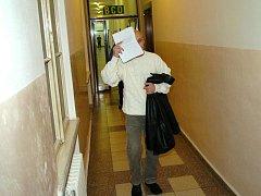 Během procesu u Krajského soudu v Ostravě si Šašinka zakrýval svou tvář. Prohlásil, že se bojí o svůj život.