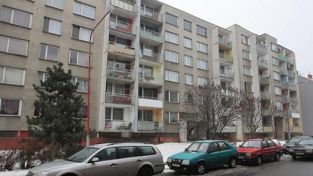 Otázka, na jakou výši budou po změnách podmínek stanoveny ceny bytů v centrálním ostravském obvodu, nyní trápí například obyvatele některých vchodů na ulici Zákrejsově.
