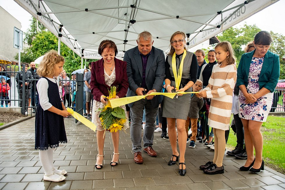 Slavnostní otevření zrekonstruované školy a nové školky ve Zbyslavicích před začátkem školního roku 2021/2022.