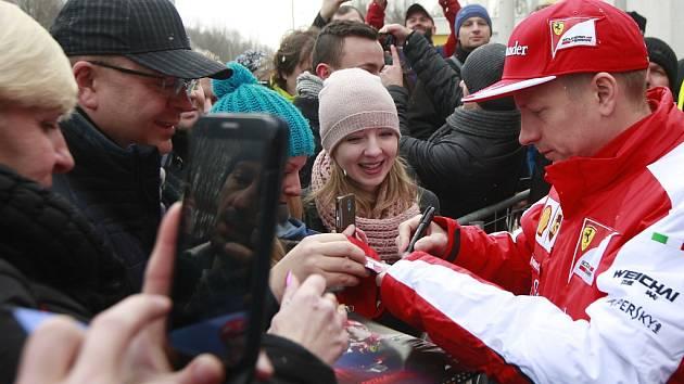 Pilot F1 Kimi Räikkönen potěšil své fanoušky v Ostravě.