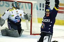 Extraligové hokejové utkání mezi HC Vítkovice Steel a HC Kometa Brno.