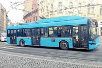 Parciální trolejbus v Ostravě.