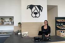 Dog Barf se zaměřuje na chovatelské potřeby a kvalitní psí stravu. Majitelka Alena Horáková.