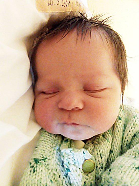 Adam Perdula, Holčovice, narozen 20. března 2021 v Krnově, míra 47 cm, váha 3040 g. Foto: Pavla Hrabovská