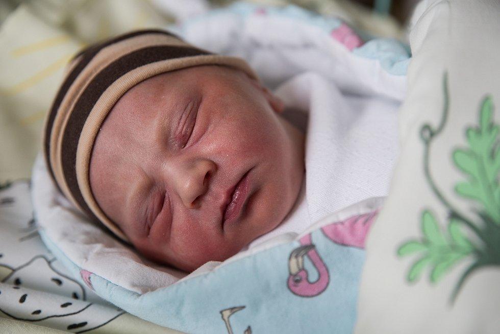 Aleš Janiček, narozen 21. března 2021 v Karviné, míra 49 cm, váha 3140 g. Foto: Marek Běhan