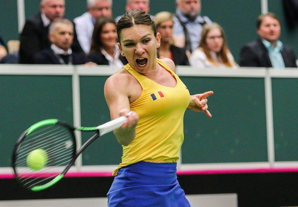 Utkání kvalifikace Fedcupového poháru Česká republika - Rumunsko, dvouhra, 10. února 2019 v Ostravě. Simona Halepová proti Karolína Plíšková.