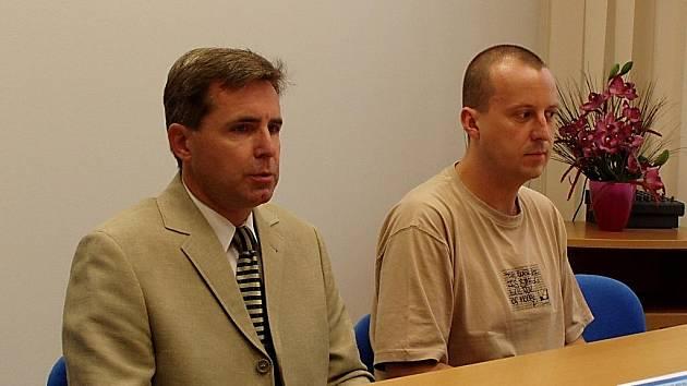 Ostravský kriminalista Libor Šustek (vlevo) a Julius Kopčanský z Bílého kruhu bezpečí.