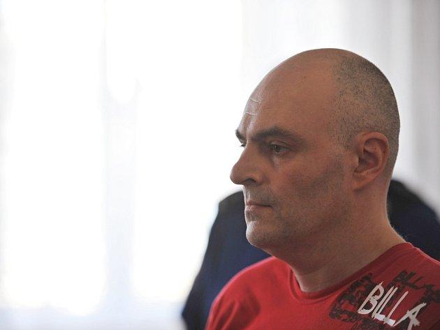 VRAH? Petr Rohel odmítl, že by někoho zavraždil. Přiznal se jen k tomu, že mrtvého muže ukryl v kompostu.