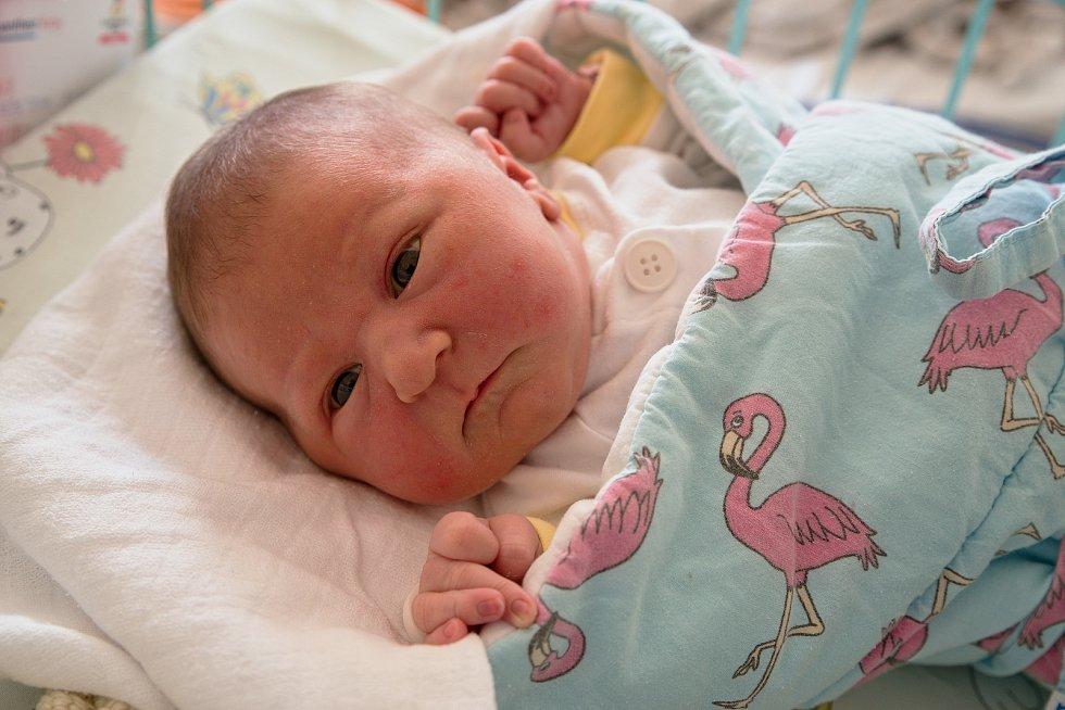 Natálie Nemetzová z Orlové, narozena 1. dubna 2021 v Karviné, míra 50 cm, váha 3436 g. Foto: Marek Běhan